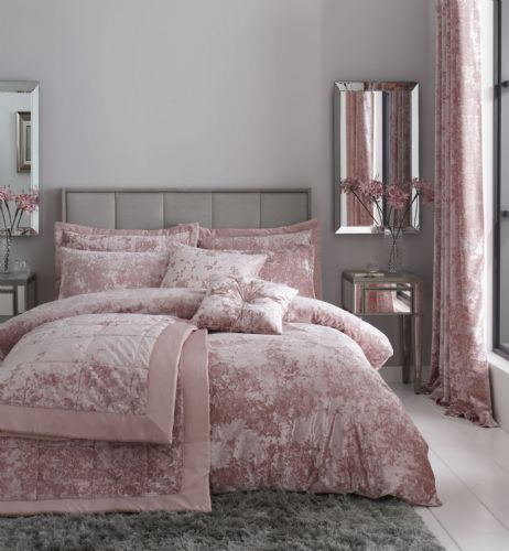 Catherine Lansfield Crushed Velvet Blush Bedding Set